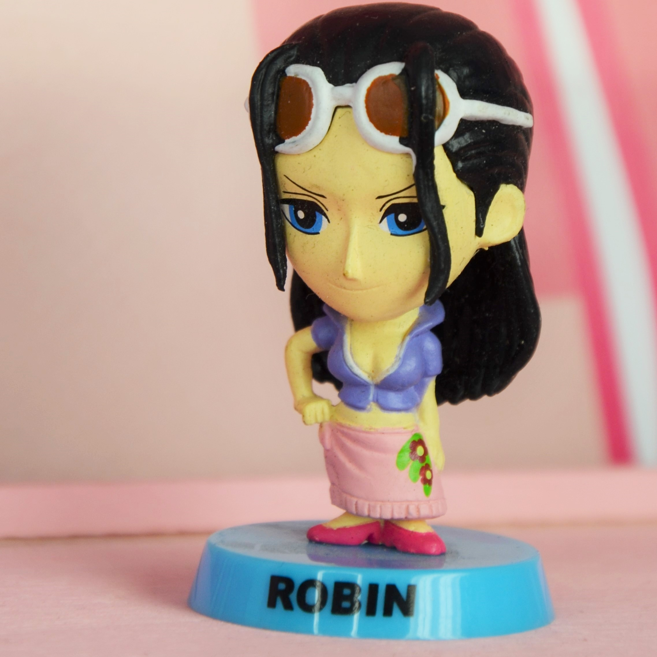 One Piece Robin Bobble Head Figure - Moving Head